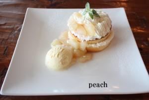 桃のパンケーキ①
